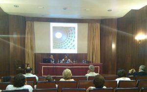 Tras años de investigación el arquitecto Honorio Aguilar ofreció en el Mercantil una interesante conferencia sobre la iluminación natural de las iglesias mudéjares sevillanas