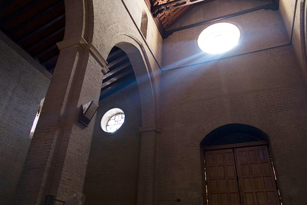 Gu a para ver el milagro de la luz en sevilla estudio de arquitectura honorio aguilar - Estudios de arquitectura sevilla ...