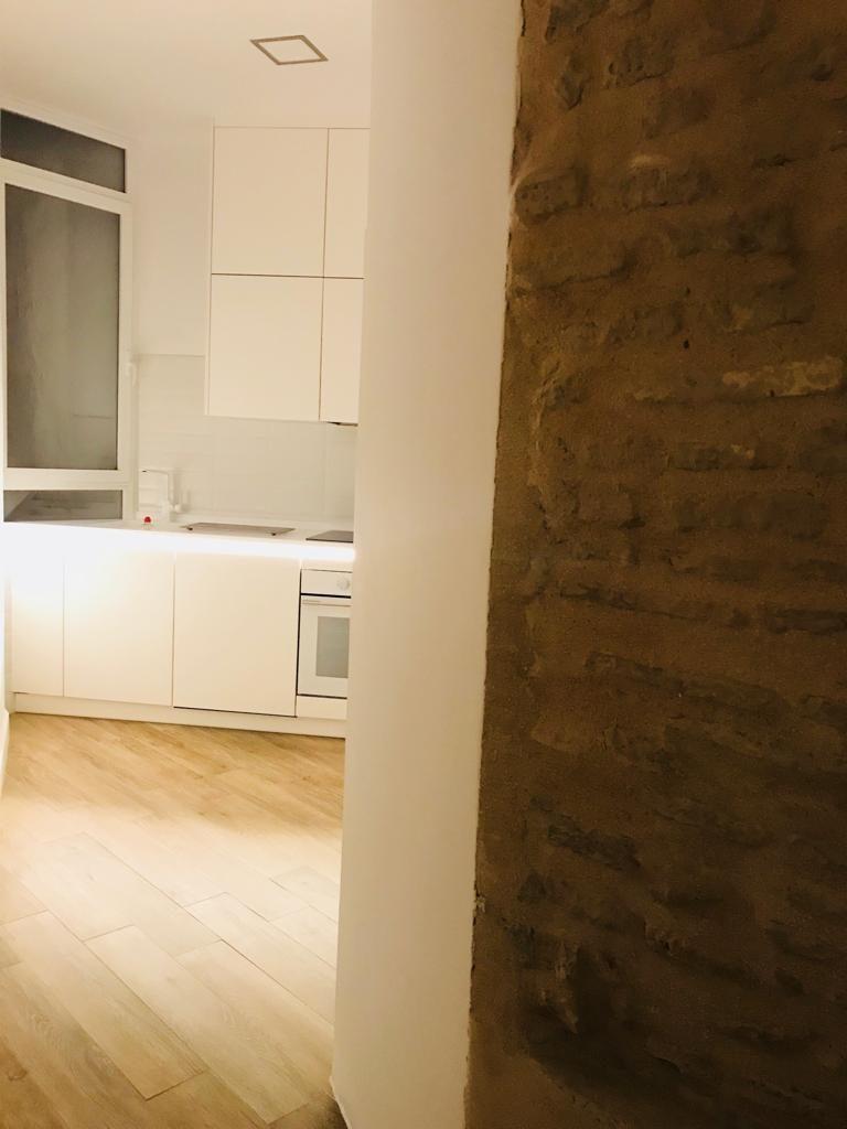 Cocina del edificio en rehabilitación vivienda unifamiliar en calle Sol.