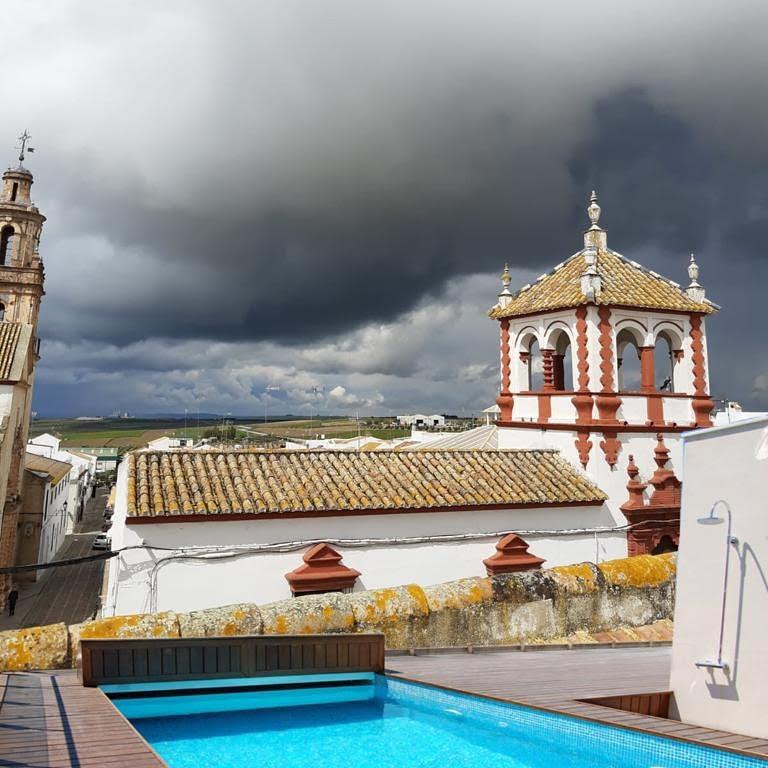 Ejemplos simulados piscinas en terrazas de Sevilla