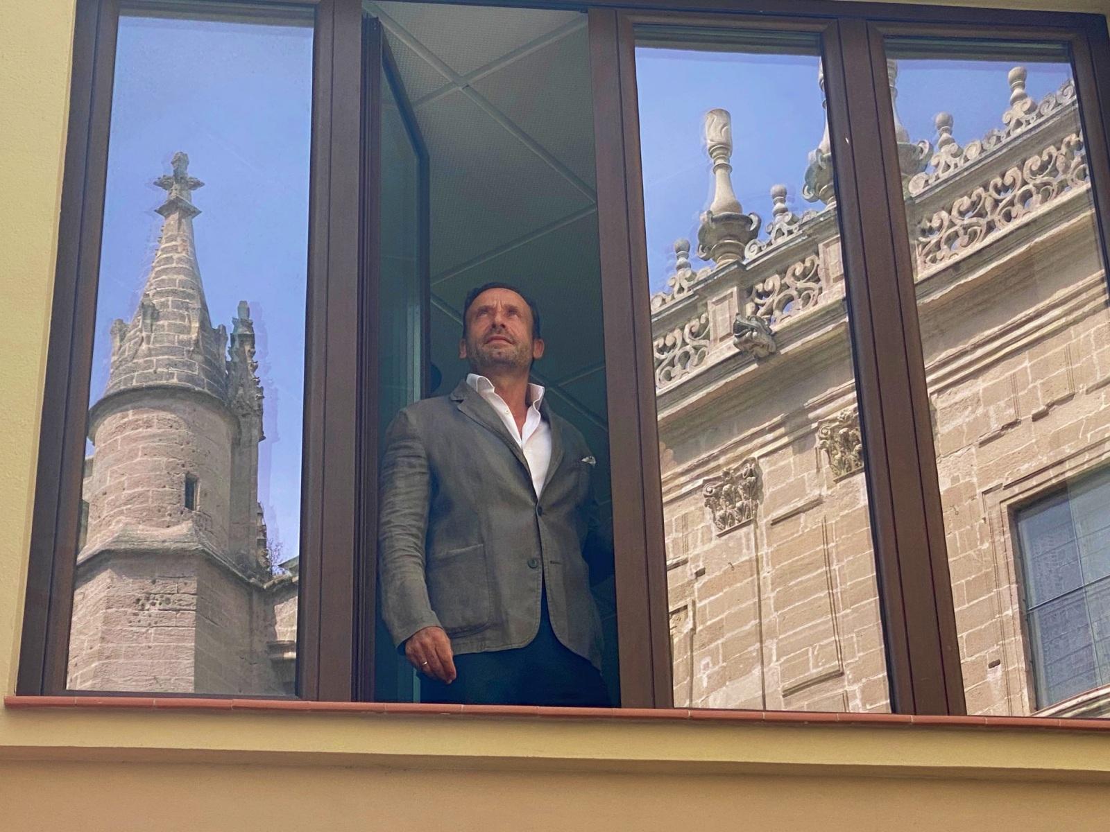 Honorio Aguilar oficina Avenida de la Constitución